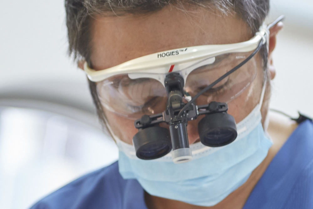 ④歯科用拡大鏡の使用